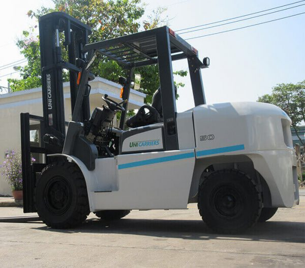 xe-nang-dau-1f5-5-tan-unicarrriers