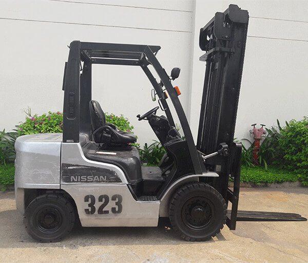 xe-nang-dau-cu-nissan-2-5-tan-323