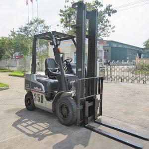 xe-nang-dau-cu-nissan-2-5-tan-359